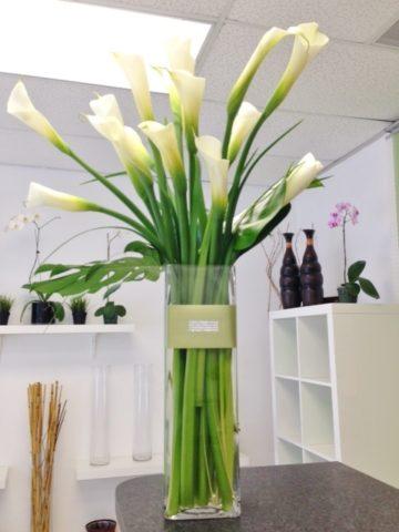 Calla Lilies Splash Flower Bouquet