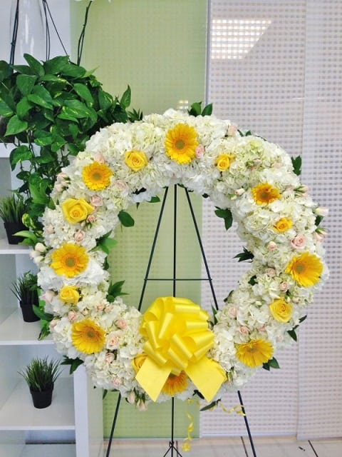 wreath standing flowers