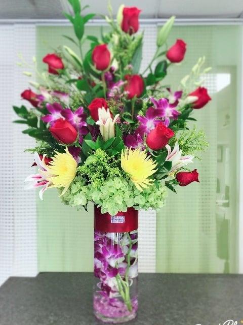 Stemless Roses Flower Arrangement