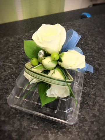 corsage baby roses