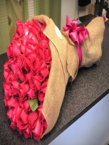 100 roses burlap