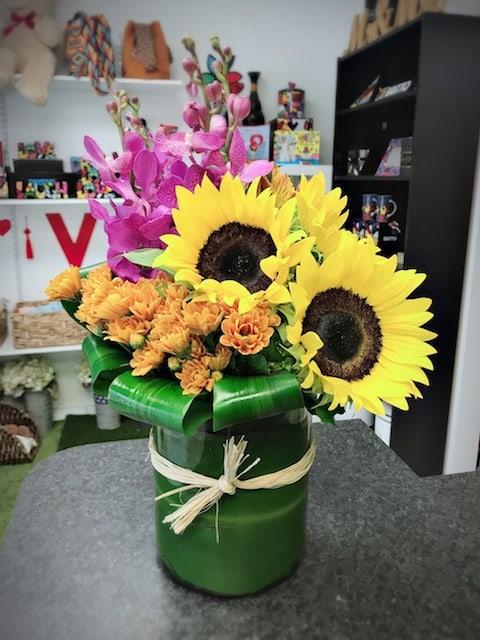 bright sunflowers bouquet